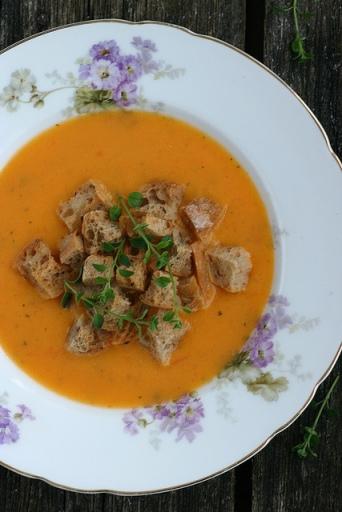 Röstitud kõrvitsa ja tomati supp