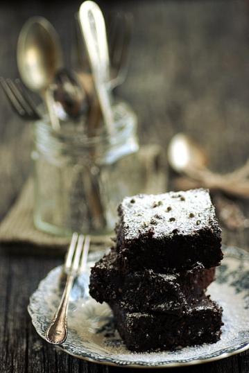 Kanepiseemnetega brownie